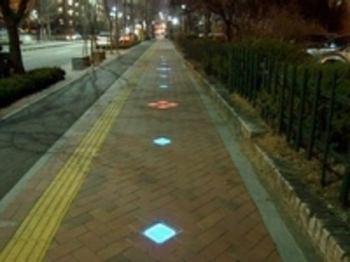 Content Dam Leds En Ugc 2013 11 Haichang Optotech S Solar Paver Light Uses Epistar Led Chip Leftcolumn Article Thumbnailimage File