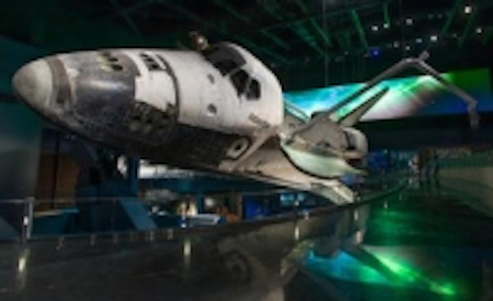 Content Dam Leds En Ugc 2013 11 Lumenpulse Leds Create Space Like Display For Space Shuttle Atlantis Exhibit Leftcolumn Article Thumbnailimage File