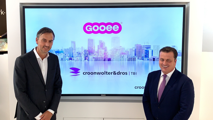 New Gooee CEO Andrew Johnson (r) and Croonwolter president Bas Ambachtsheer had little to say about lighting but talked plenty about smart buildings. Meanwhile, with Johnson joining as CEO, watch for a new chief at Aurora Lighting, where Johnson has been CEO. He founded both companies. (Photo credit: Image courtesy of Gooee.)