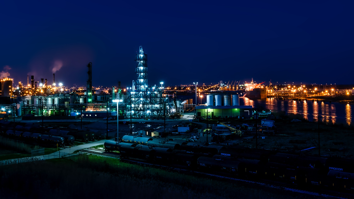 Refineries have to be well lit for safety reasons at night, so there's no other way to mitigate circadian disruption than by minimizing the blue content, says Circadian Light CEO Dr. Martin Moore-Ede. (Photo credit: Image by David Mark from Pixabay.)